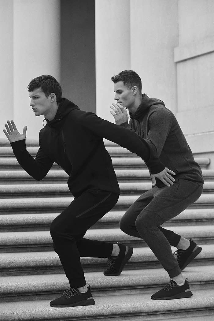 photo-01-of-men-sport-lefties-campaign