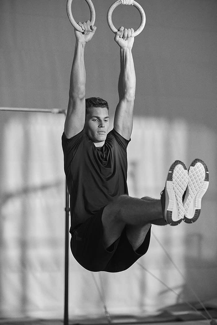 photo-10-of-men-sport-lefties-campaign