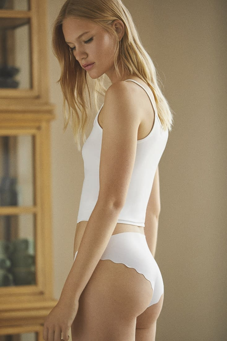 LEFTIES-WOMEN-UNDERWEAR-AW20-PHOTO-03-BY-ENRIC-GALCERAN