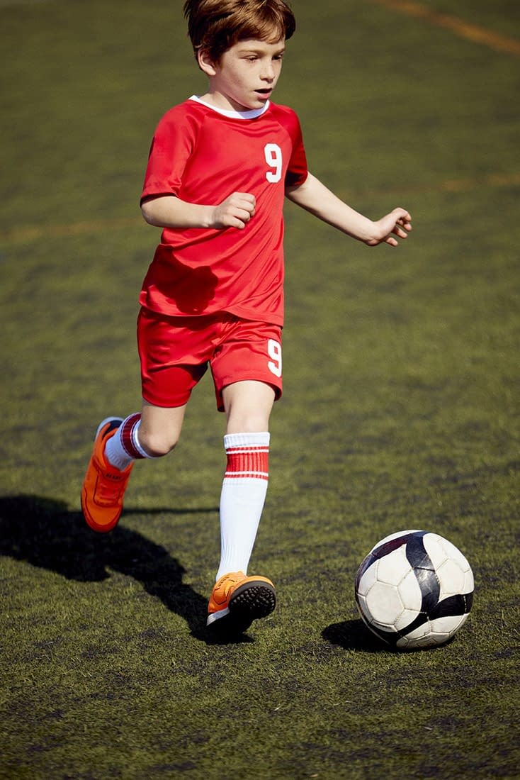 FOOTBALL-KIDS-COLLECTION-PHOTO-16-BY-ENRIC-GALCERAN