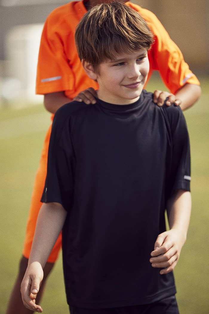 FOOTBALL-KIDS-COLLECTION-PHOTO-02-BY-ENRIC-GALCERAN
