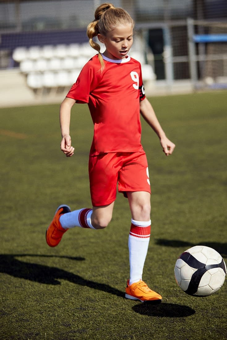 FOOTBALL-KIDS-COLLECTION-PHOTO-15-BY-ENRIC-GALCERAN