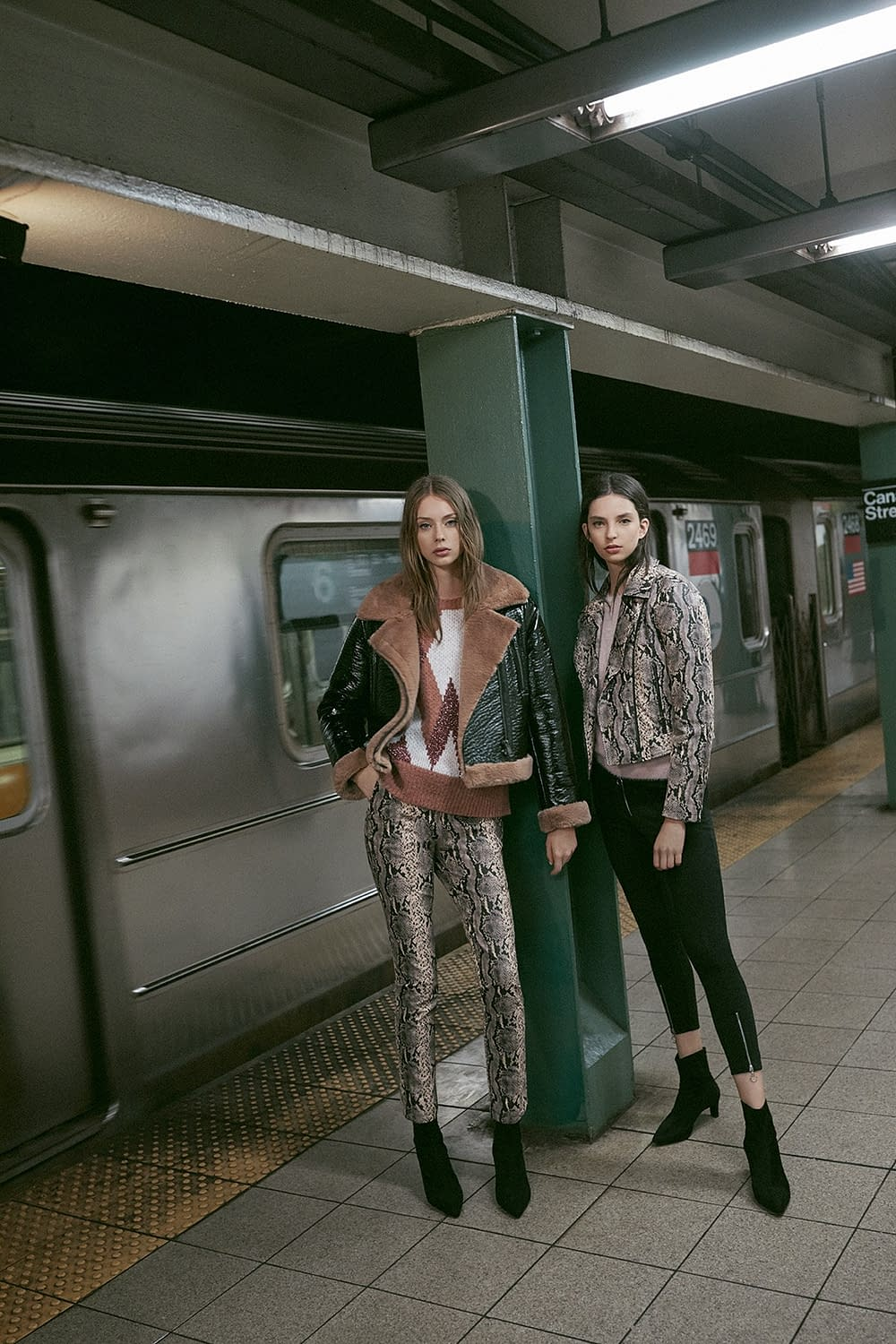LEFTIES WOMAN URBAN NYC AW18 11G PHOTO BY ENRIC GALCERAN