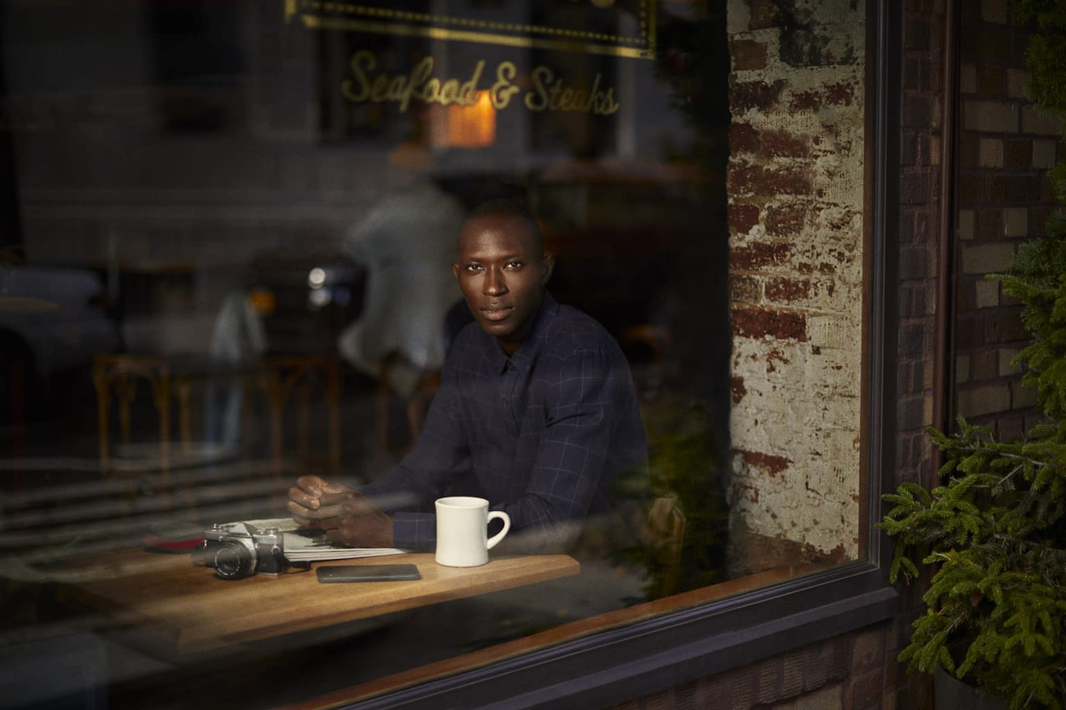 A NEW YORKER - LEFTIES - WITH ARMANDO CABRAL PHOTO BY ENRIC GALCERAN - 05