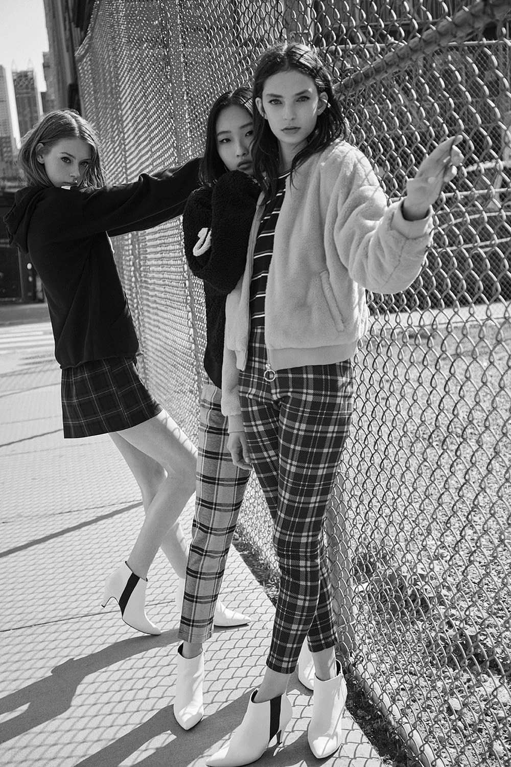 LEFTIES WOMAN URBAN NYC AW18 12G PHOTO BY ENRIC GALCERAN