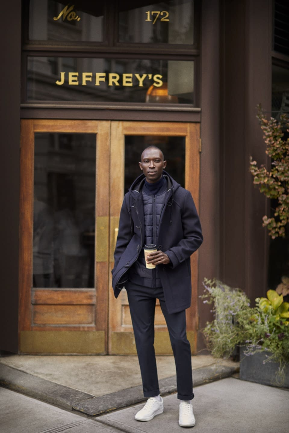 A NEW YORKER - LEFTIES - WITH ARMANDO CABRAL PHOTO BY ENRIC GALCERAN - 01